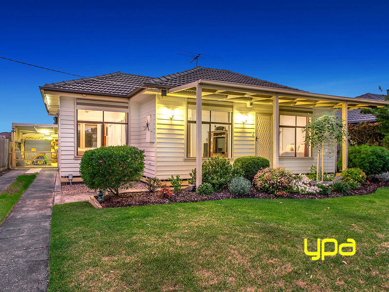 52 Charles Street, St Albans, Vic 3021