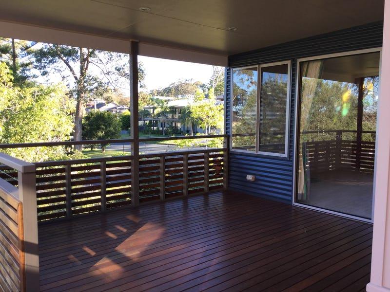 11 Denham Avenue, Denhams Beach, NSW 2536