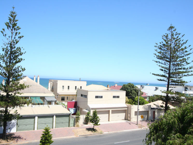 146 Seaview Road, Henley Beach South, SA 5022