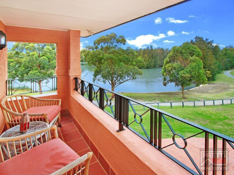 12 Amelia Close, Cecil Hills, NSW 2171