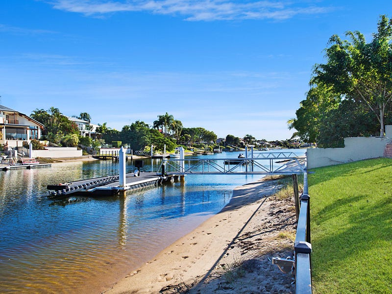 24 Mackay Close, Sorrento, Qld 4217