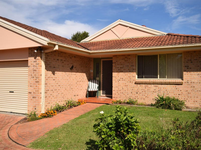 7/8a Rendal Avenue, North Nowra, NSW 2541