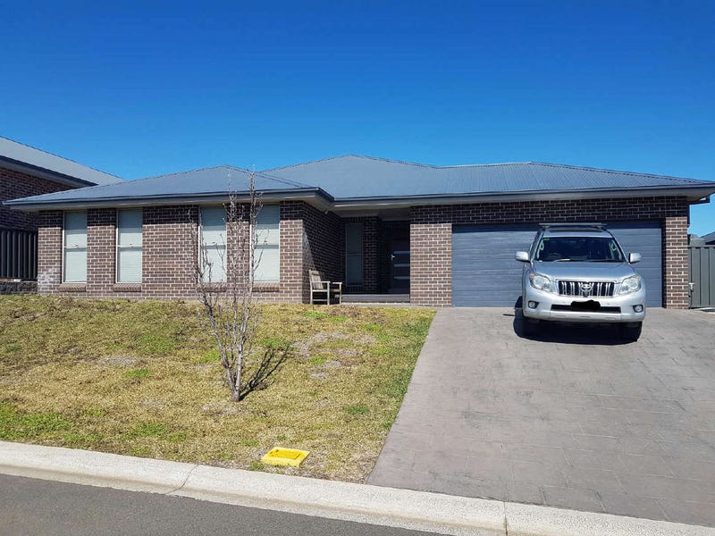 14  SEMILLON DRIVE, North Tamworth, NSW 2340