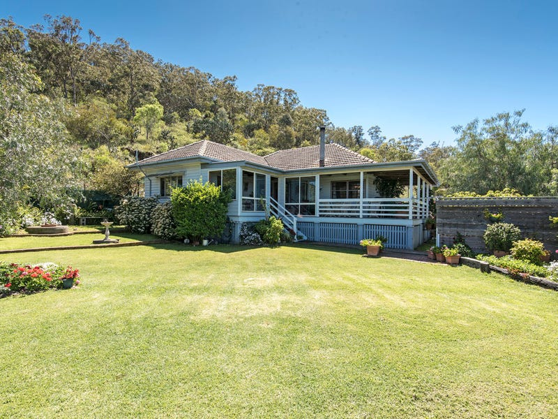 10 Rowland Court, Gowrie Mountain, Qld 4350