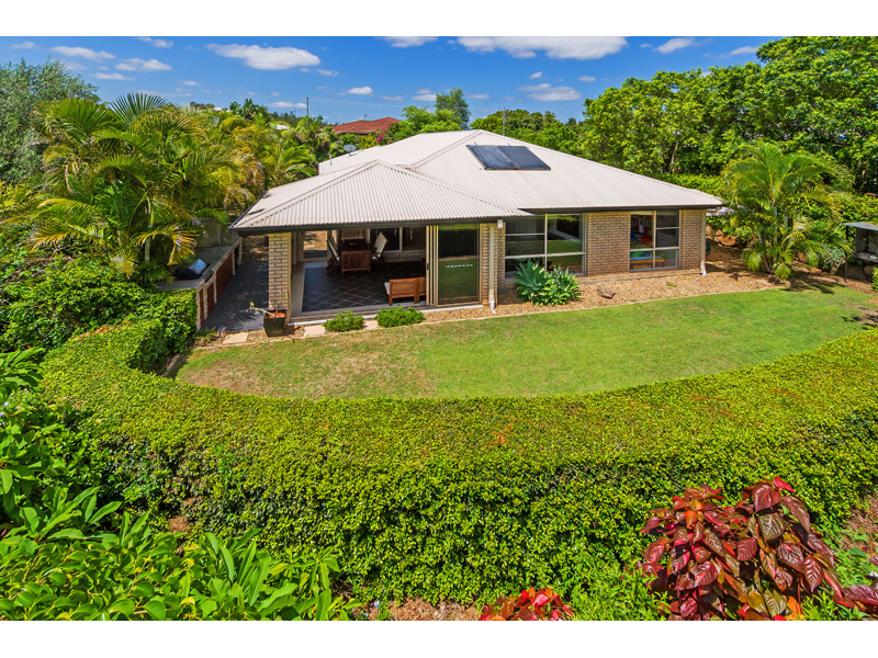 10 Manra Way, Pacific Pines, Qld 4211
