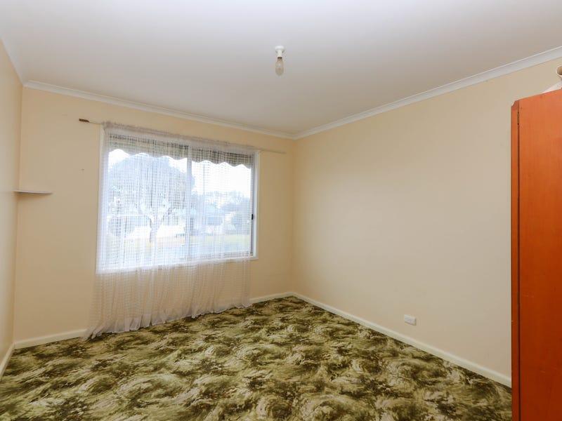 73 Holbrook Street, Temora, NSW 2666