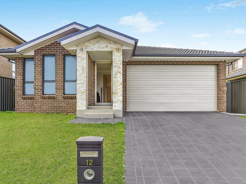 12 Voyager Street, Gregory Hills, NSW 2557