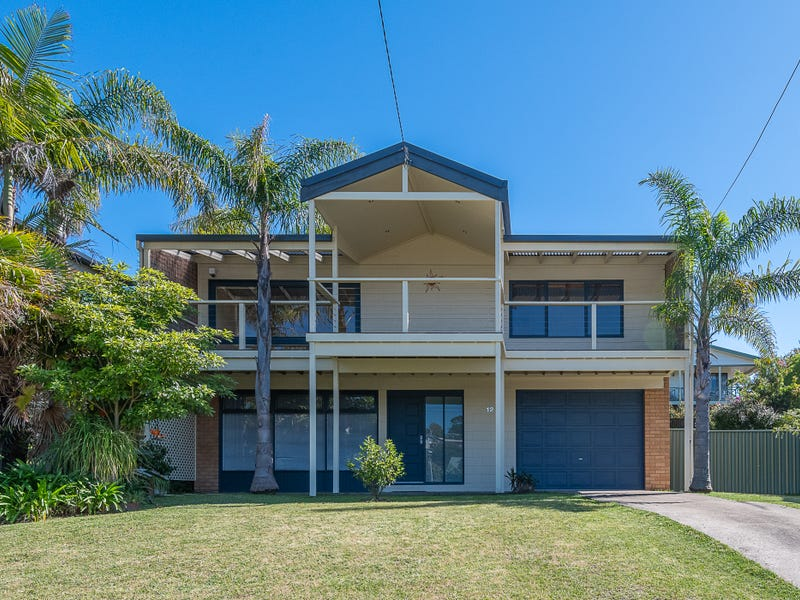 12 Evans Road, Tuross Head, NSW 2537