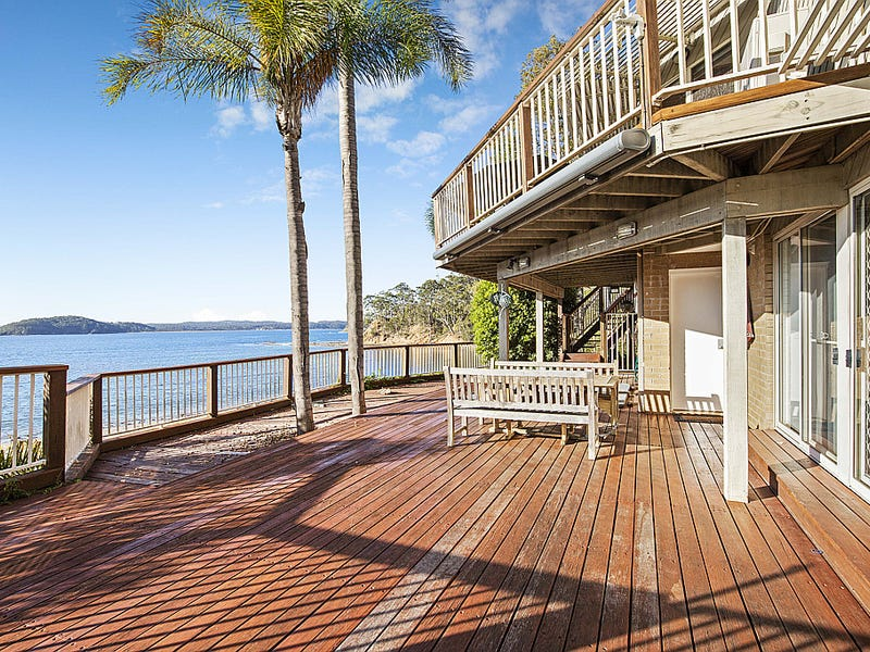 111 Beach Road, Batehaven, NSW 2536