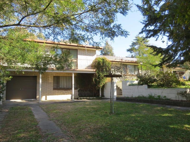 69 Riley Street, Tenterfield, NSW 2372