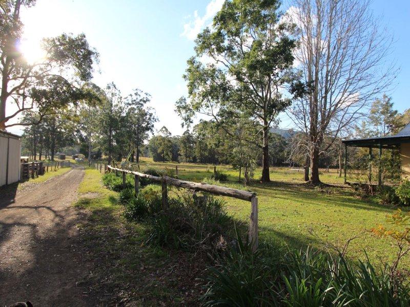 82 Candoormakh Creek Road, Nabiac, NSW 2312