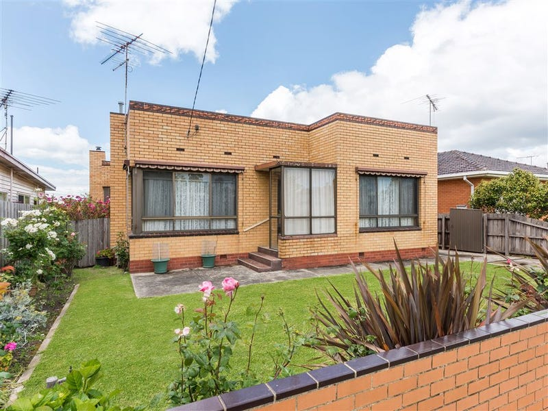 24 Anakie Road, Bell Park, Vic 3215