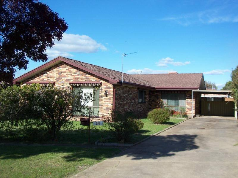 28 MARGARET STREET, Cootamundra, NSW 2590
