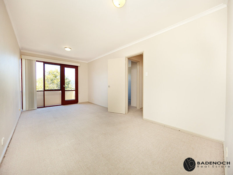 4/7 McGee Place, Pearce, ACT 2607