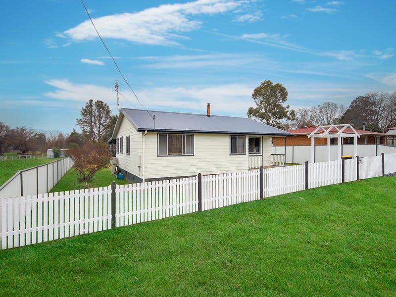 112 Petre Street, Tenterfield, NSW 2372