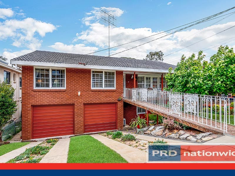 14 Jindabyne Crescent, Peakhurst Heights, NSW 2210