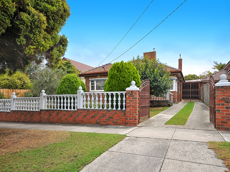 38 Upland Road, Strathmore, Vic 3041
