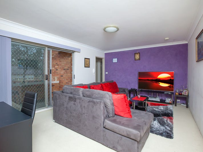 4/174 lindesay street, Campbelltown, NSW 2560