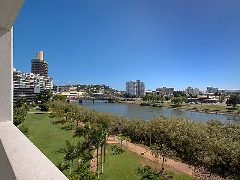 63/11-17 Stanley Street, Townsville City, Qld 4810