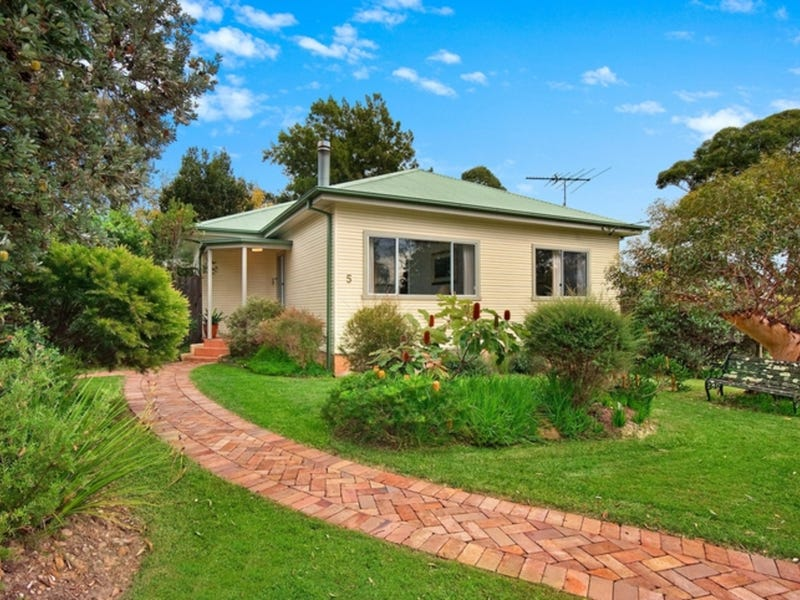 5 Ulolo Avenue, Hornsby Heights, NSW 2077