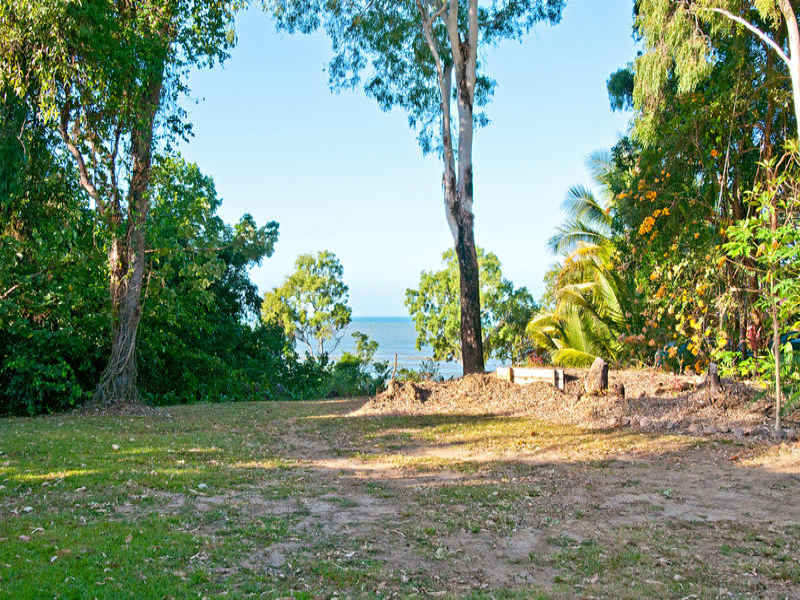 15 Toll Gate Rd, Oak Beach, Qld 4877