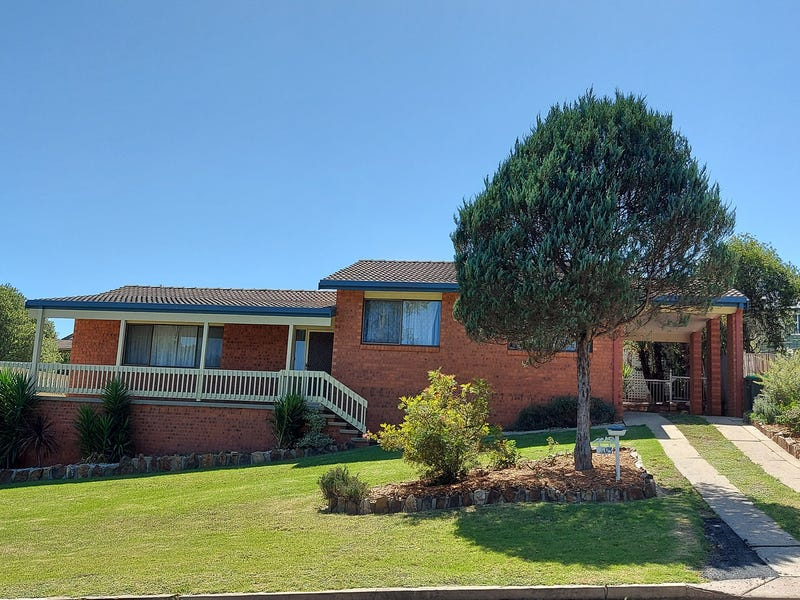 16 Laws Drive, Bega, NSW 2550