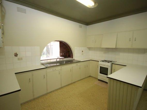 24 Anne Street, Tolland, NSW 2650