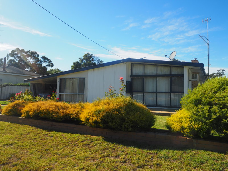 37 Barrack Street, Goroke, Vic 3412