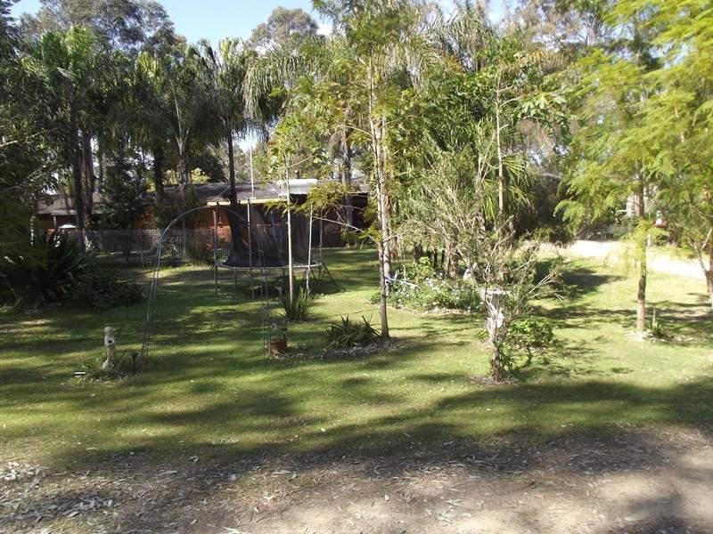 197 Lake Road, Elrington, NSW 2325