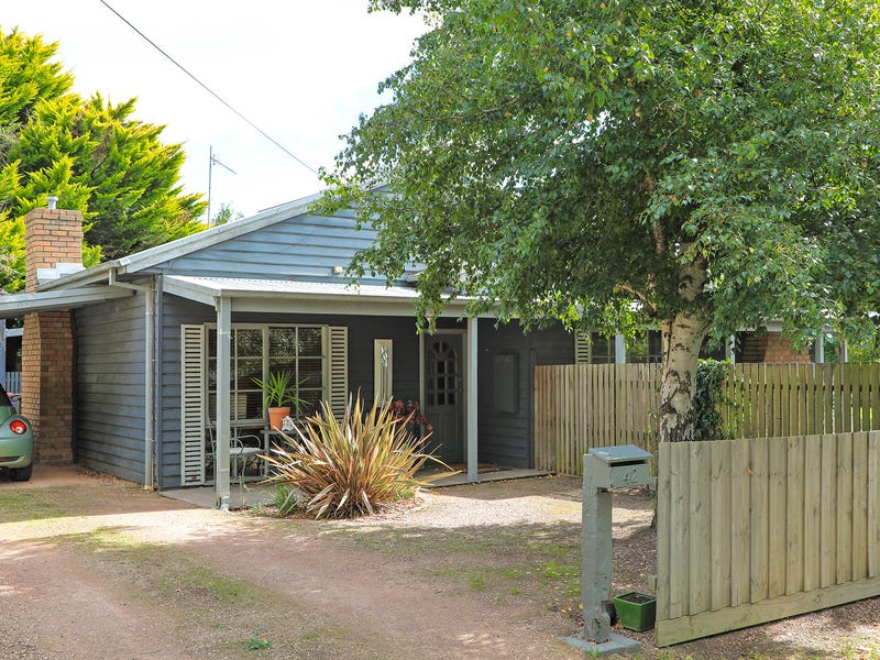 44 Forest Street, Woodend, Vic 3442