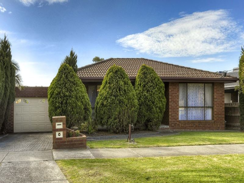 8 Halter cres, Epping, Vic 3076