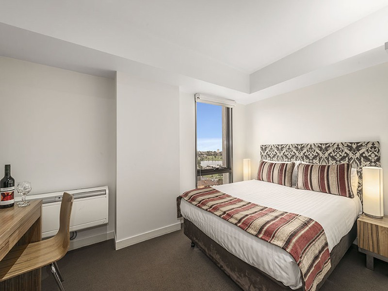 1325/572 St Kilda Road, Melbourne, Vic 3000