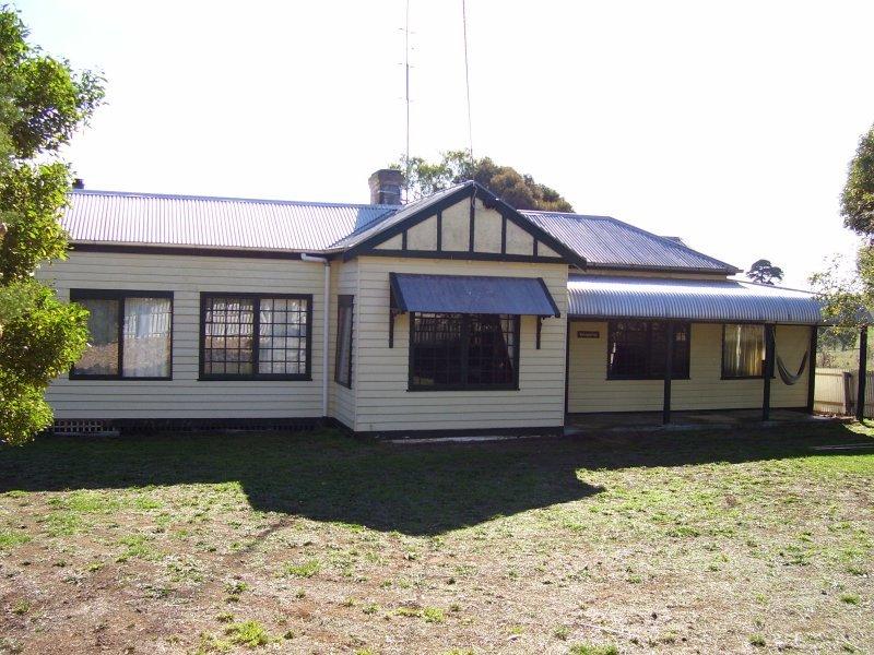 6439 Port Fairy Hamilton Road, Byaduk North, Vic 3300