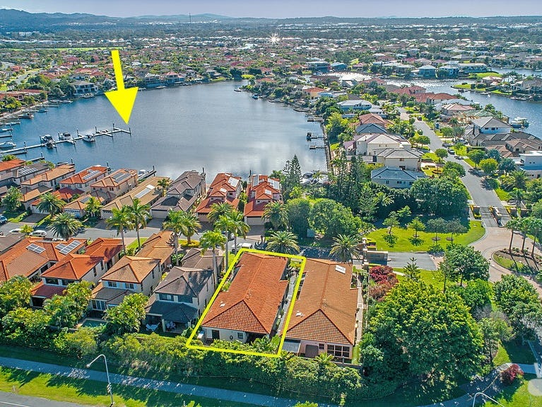 559 Oyster Cove Promenade, Helensvale