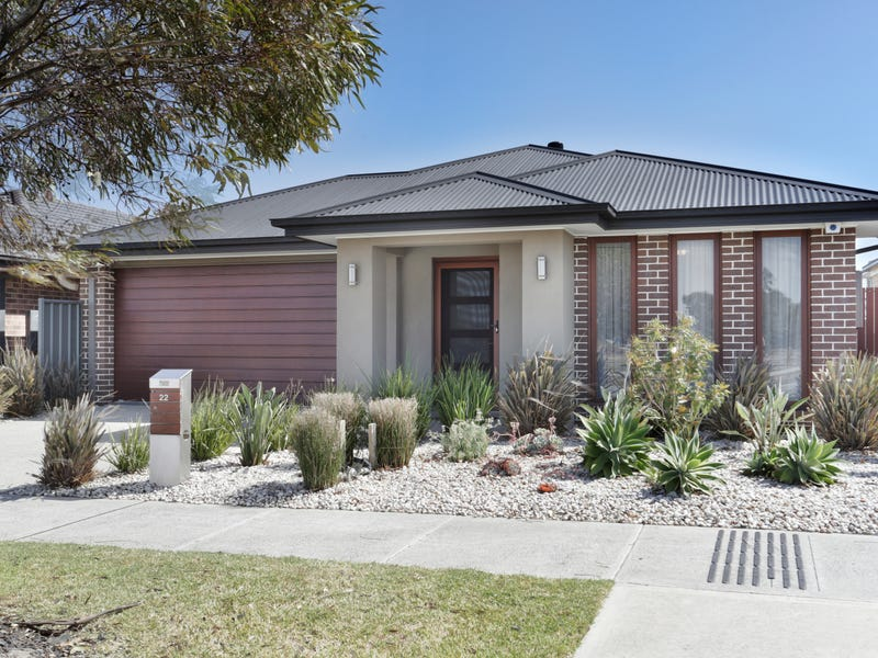 22 Bacchus  Road, Cranbourne West, Vic 3977