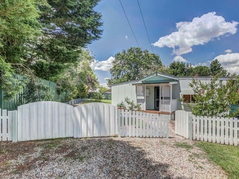 10 Addington Road, Hazelbrook, NSW 2779