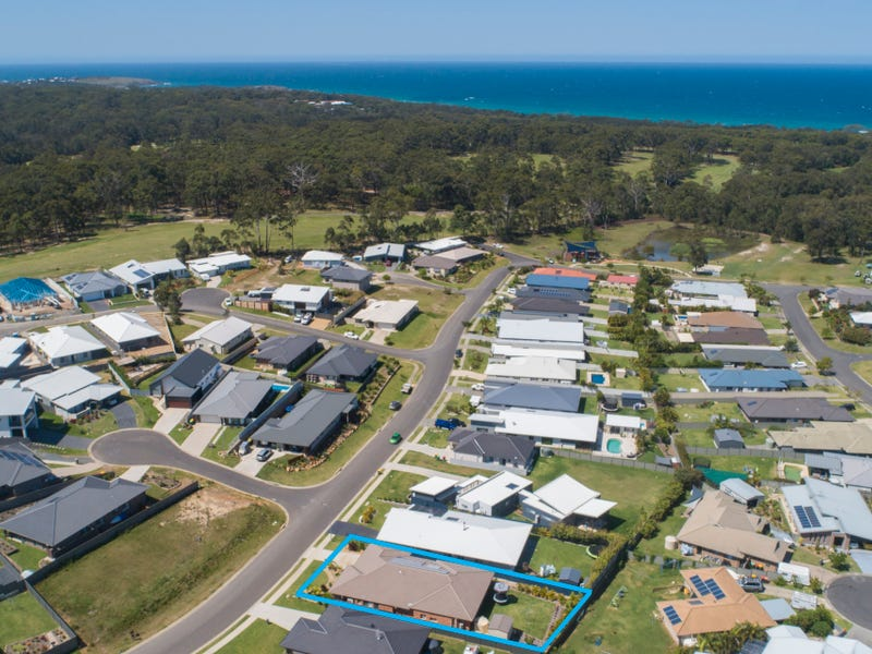 44 Admiralty Drive, Safety Beach, NSW 2456