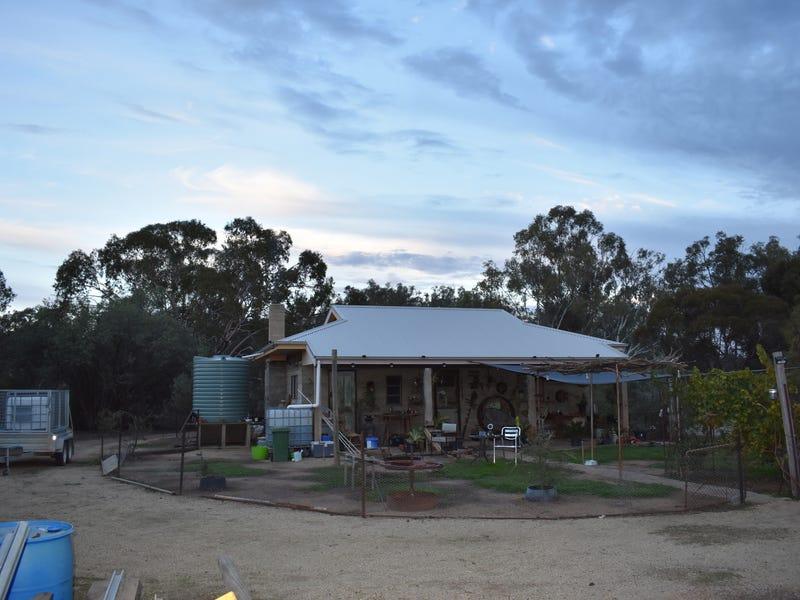 8 WILKINSONS ROAD, Kaarimba, Vic 3635