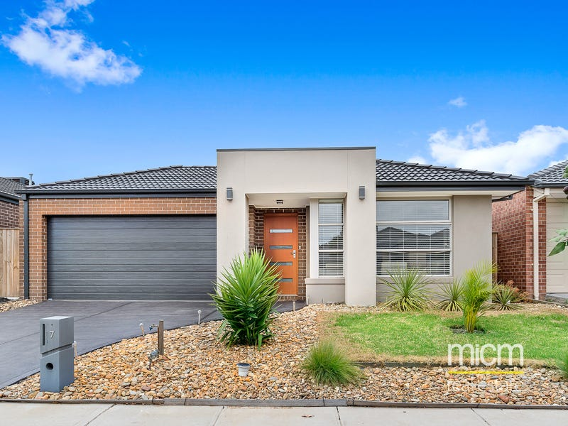 7 Plume Place, Point Cook, Vic 3030