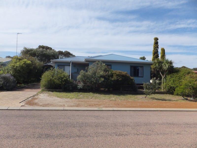 5 Flinders Street, Hopetoun, WA 6348