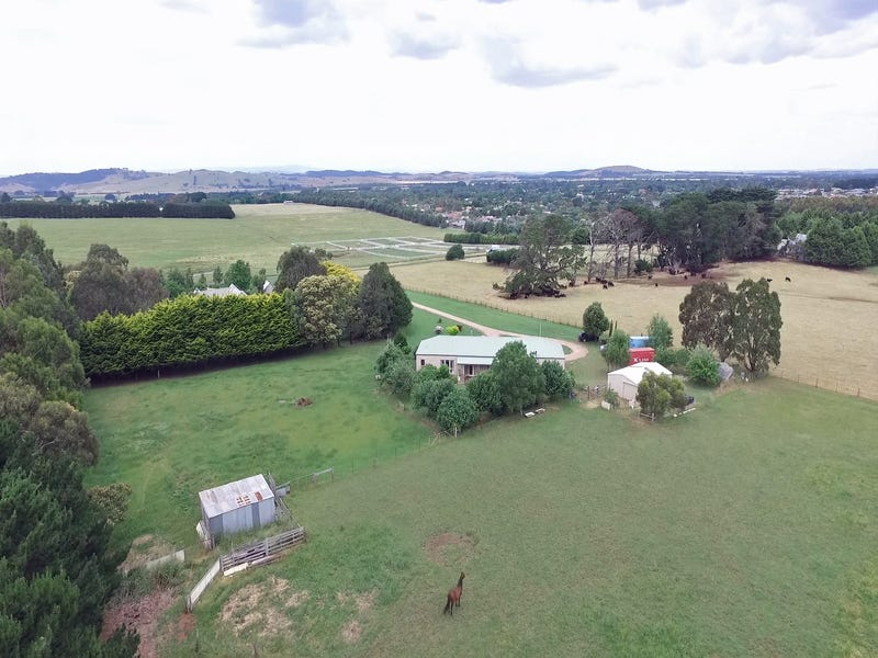 147 Couzens Lane, Romsey, Vic 3434