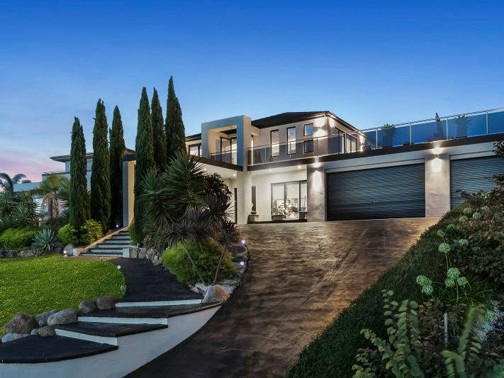 84 Summerfield Drive, Mornington