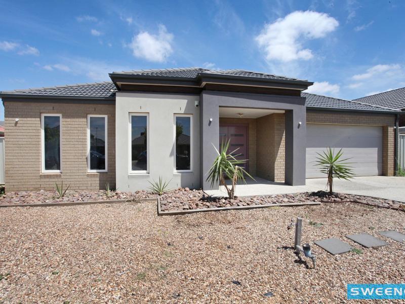14 Flinders Place, Caroline Springs, Vic 3023