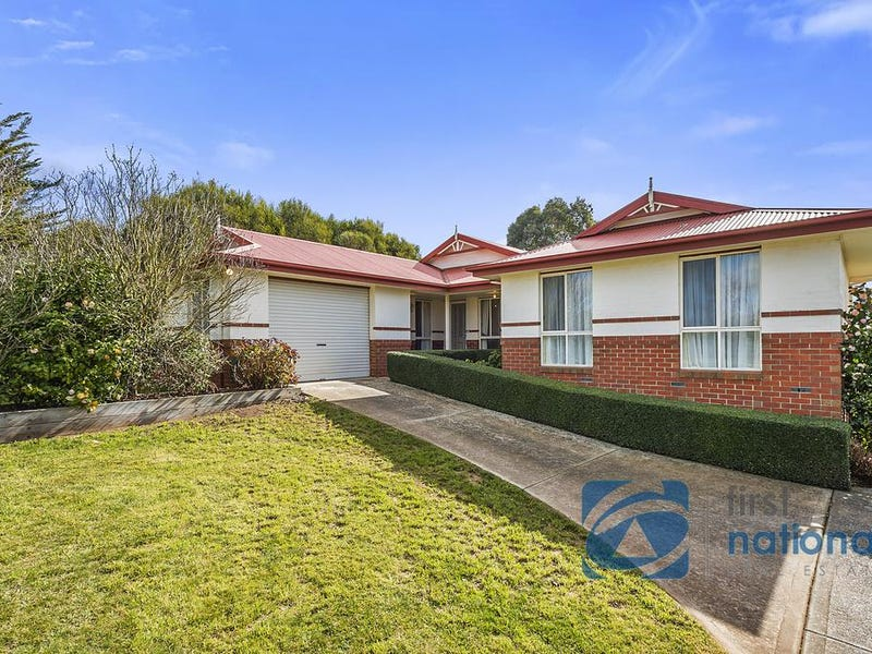 140 Barry Street, Romsey, Vic 3434