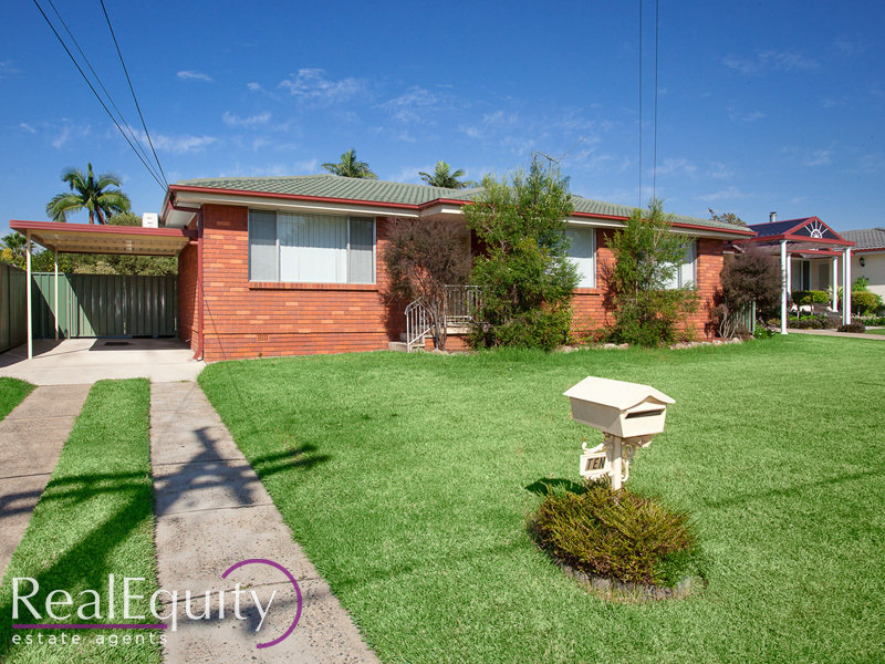 Australia 39 s largest list of properties to buy or rent for Perfect kitchens chipping norton
