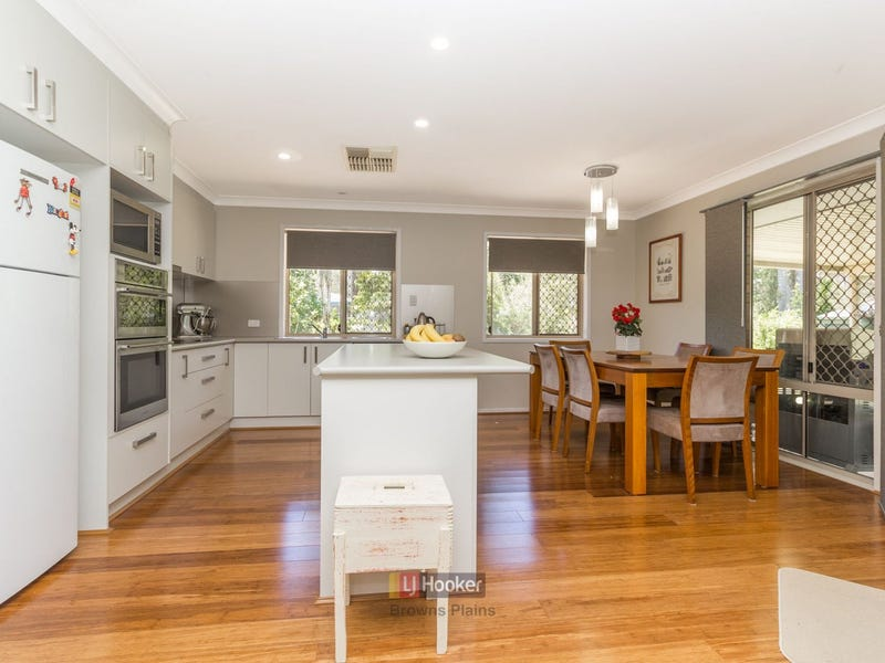 122-124 Merluna Road, Park Ridge South, Qld 4125