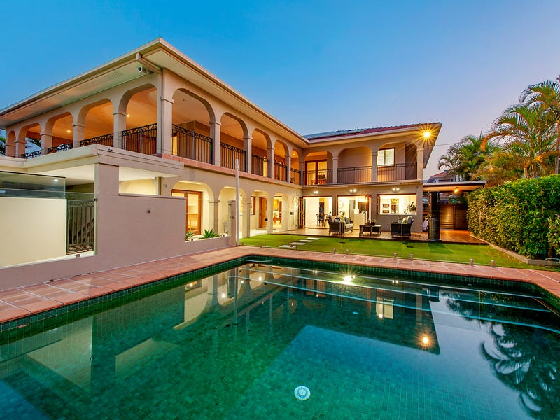 64 Commodore Drive, Paradise Waters, Qld 4217
