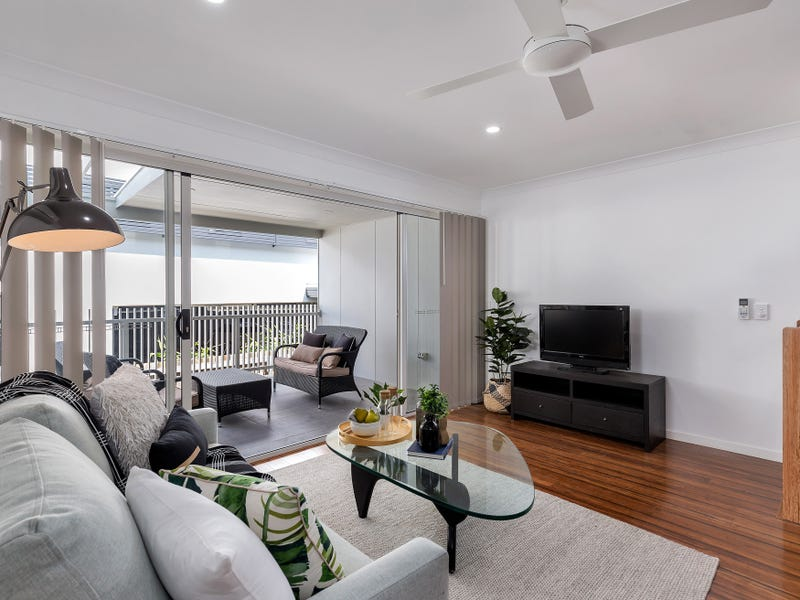 2/17 Pickwick Street, Cannon Hill, Qld 4170