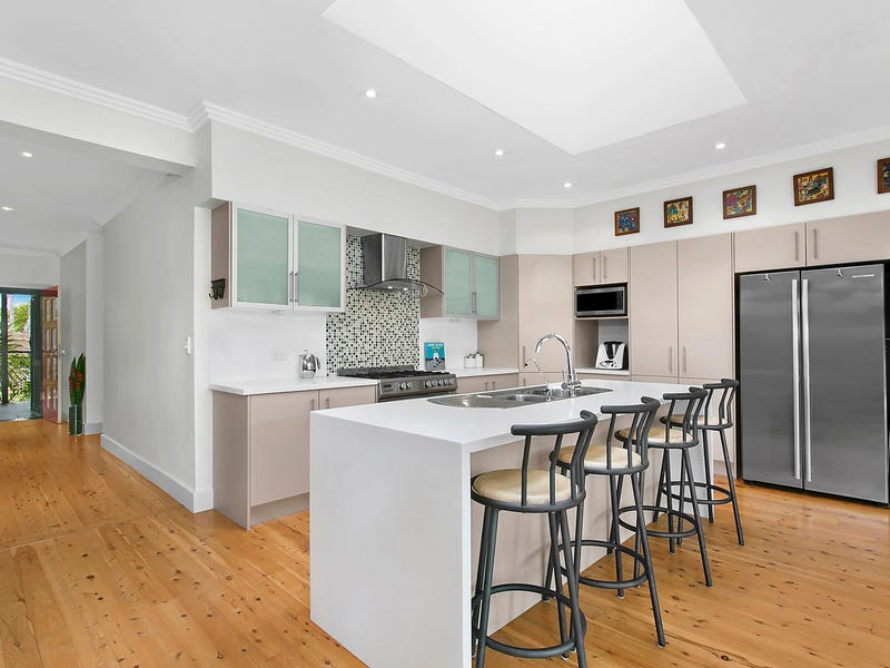 11 Ulolo Avenue, Hornsby Heights, NSW 2077