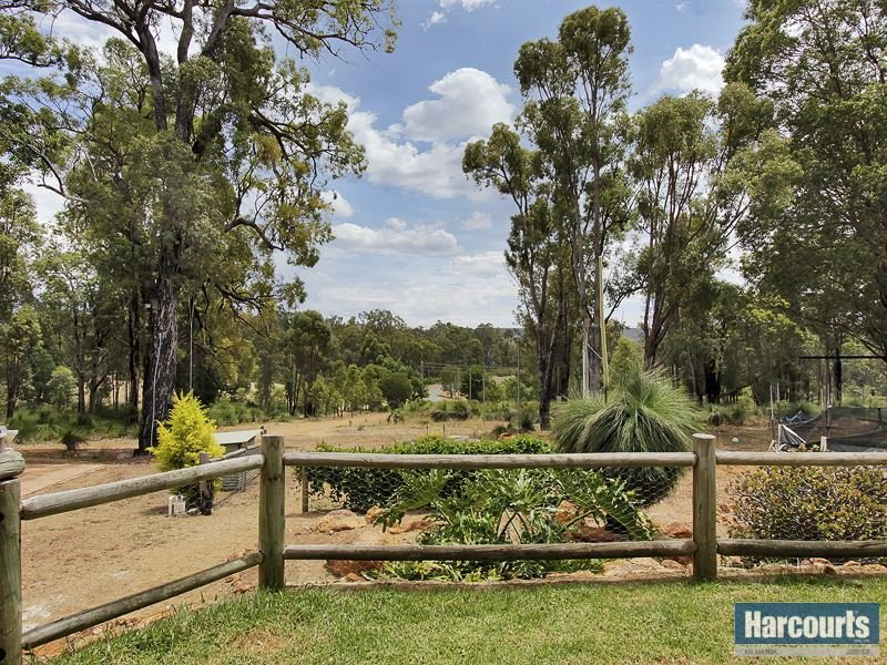 136 Merrivale Road, Pickering Brook, WA 6076